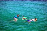 09_Family_snorkel_in_the_Hollandes_Keys