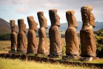 27_At_Ahu_Akivi_you_find_the_only_Moai_looking_towards_the_sea